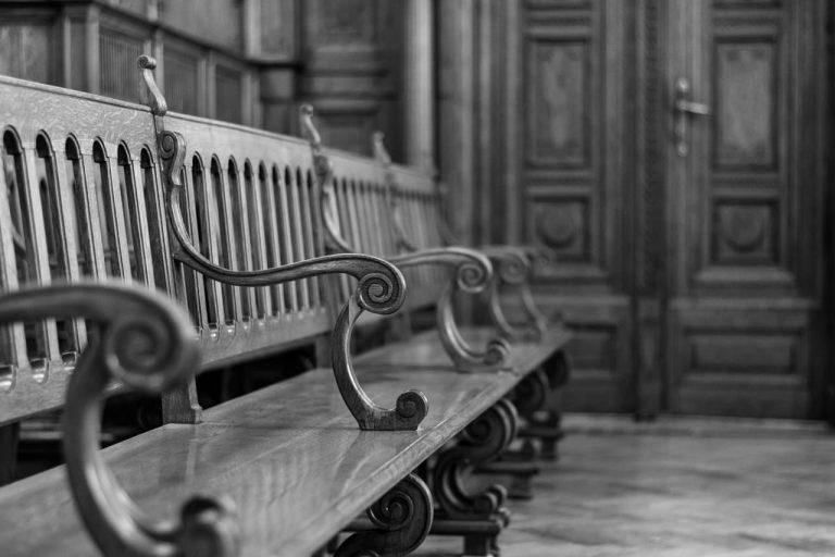 bírósági székek