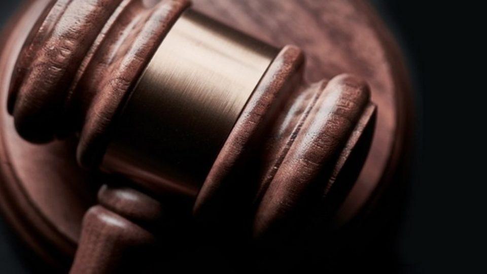 közjegyzők és ügyvédek feladatai